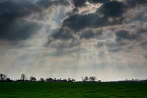 clouds-cloudy-ray-of-sunshine-768